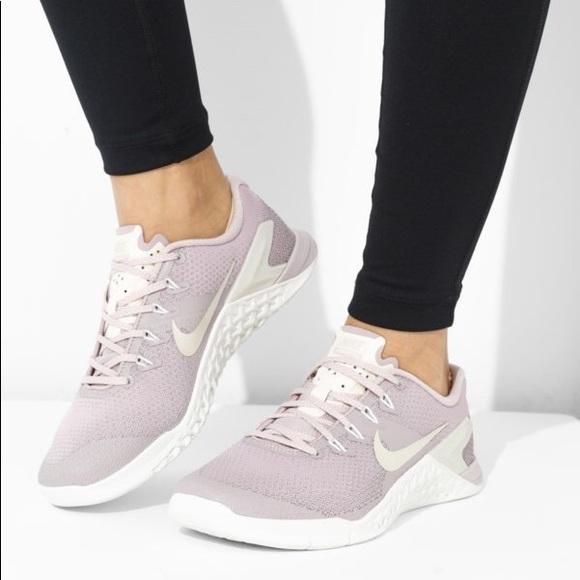 wholesale dealer 6324d 9d85a New Nike Metcon 4 Women s Cross Training Shoe